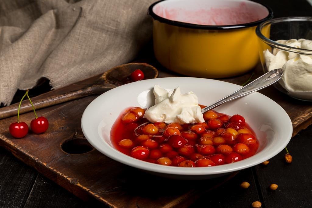 Körsbärssoppa – spottsoppa